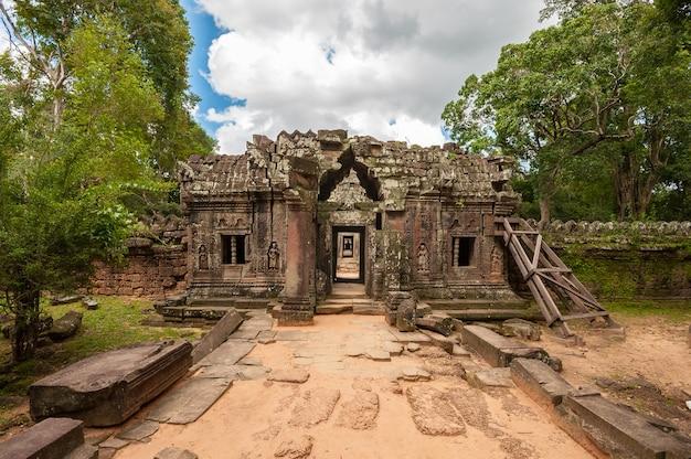 Alter buddhistischer khmer-tempel in angkor wat, kambodscha. ta som prasat