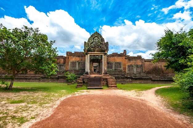Alter buddhistischer khmertempel in angkor wat, kambodscha. banteay samre prasat