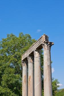 Alter römischer tempel des apollo in riez, alpes de haute provence, frankreich