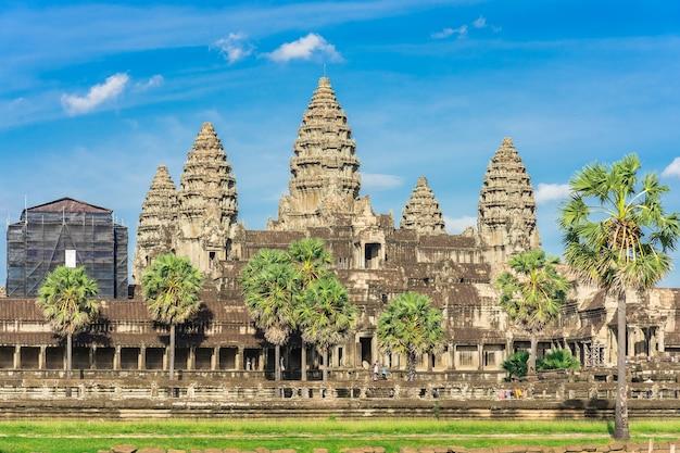 Alter tempel angkor wat von über dem see. siem reap, kambodscha