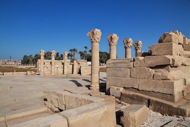 Alter tempel hathor in dendera, ägypten