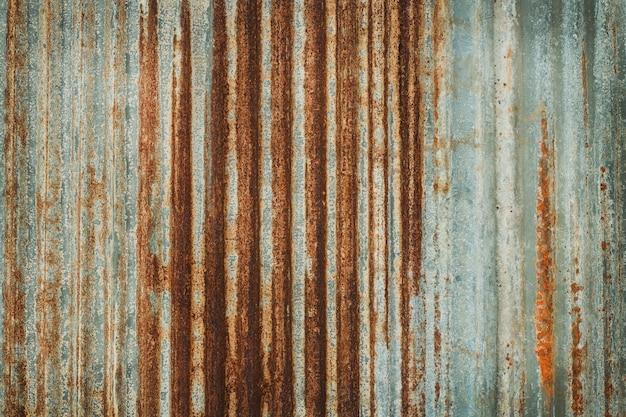 Alter zinkwand-beschaffenheitshintergrund, rostig auf galvanisierten metallplattenblechen.