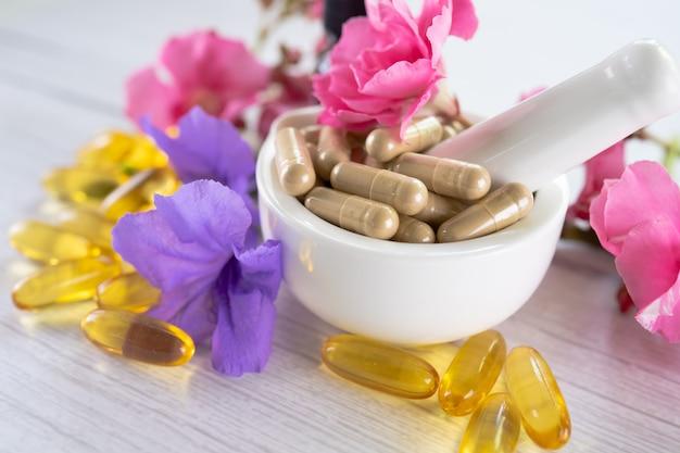Alternativmedizin pflanzliche bio-kapsel mit vitamin e omega 3 fischöl