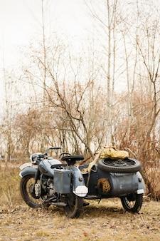 Altes deutsches motorrad auf dem freien