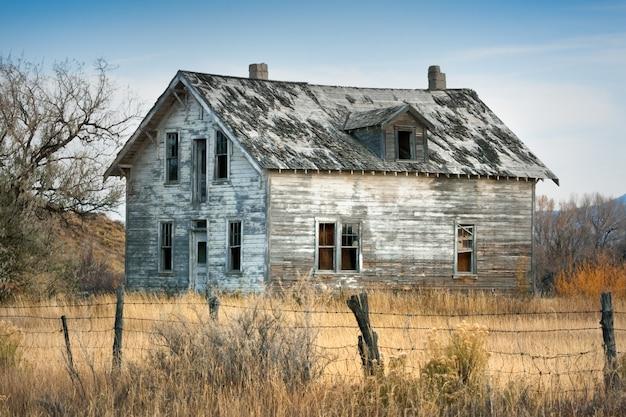 Altes verlassenes haus in wyoming