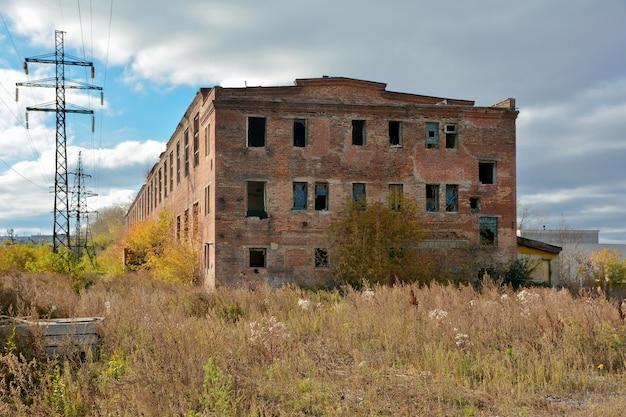 Altes zerstörtes gebäude der gerberei