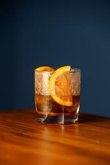 Altmodischer cocktail.