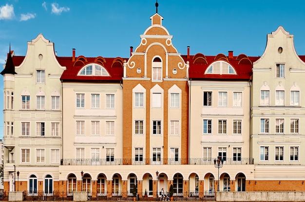 Altstadtstraße. europäische weinlesehäuser. architektur.