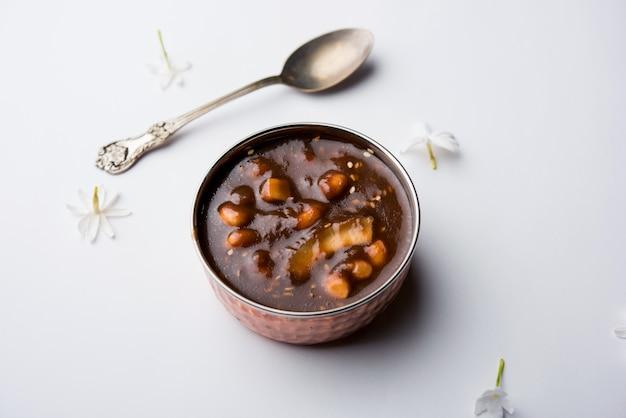 Ambrosia oder panchamrit oder panchamrut oder panchamrutham oder panchamrutha ist ein süß-saures essen, das in gebeten oder pujas hinduistischen gottheiten oder göttern angeboten wird