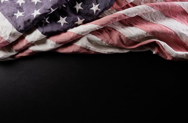 Amerikanische flaggen in der weinleseartfarbe