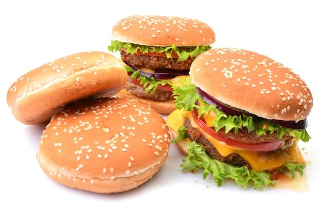 Amerikanische hamburger isoliert