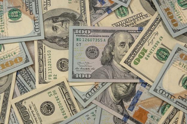 Amerikanische hundert-dollar-banknote als hintergrund, finanzkonzept