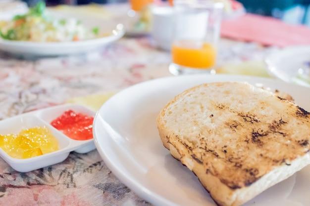 Amerikanisches frühstück für jeden tag in ihrem leben