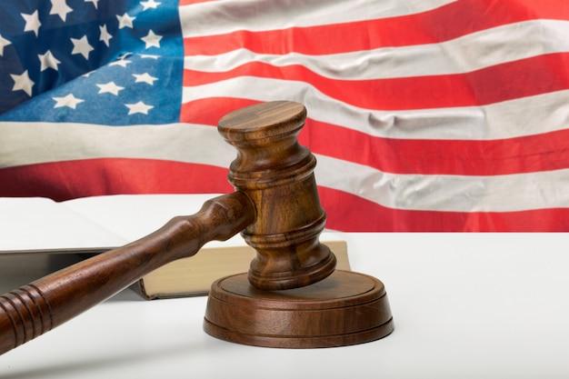 Amerikanisches gesetzgebungssystem und justizkonzept