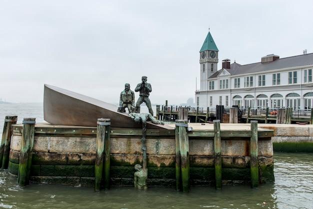 Amerikanisches handelsschiff-denkmal, hudson river, manhattan, new york city, staat new york, usa