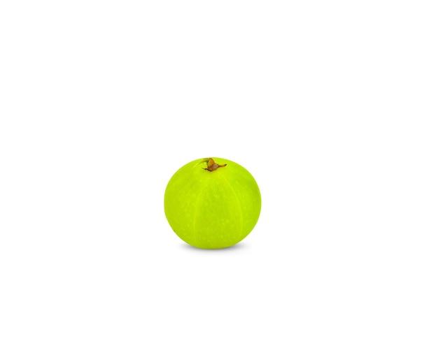 Amla grüne früchte, phyllanthus emblica isoliert auf weißem hintergrund. dieses hat beschneidungspfad.