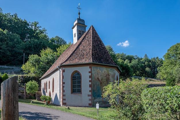 Amorsbrunn ist eine kapelle in der stadt amorbach