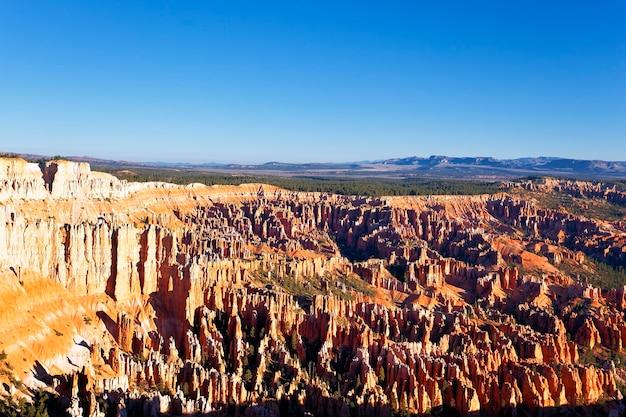 Amphitheater vom inspirationspunkt bei sonnenaufgang, bryce canyon national park, utah, usa