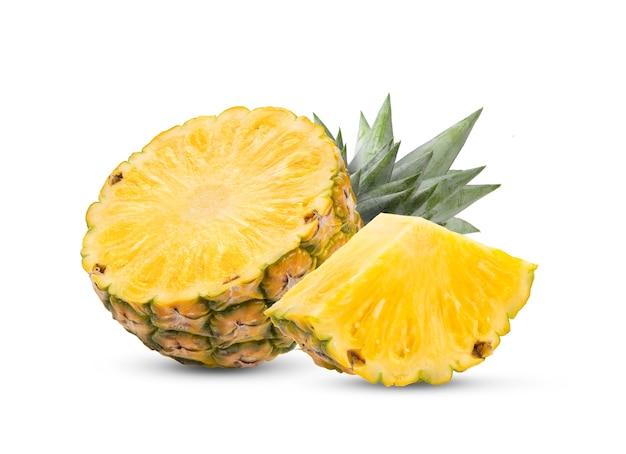 Ananas auf weißem hintergrund