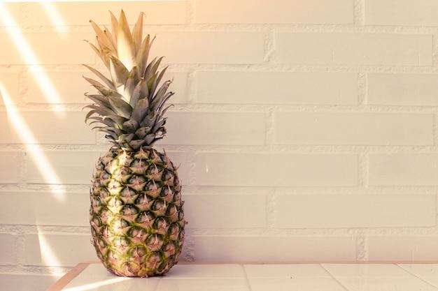 Ananas baclground mit platz für text kopieren.