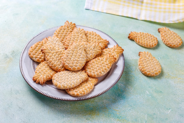 Ananasförmige leckere kekse.