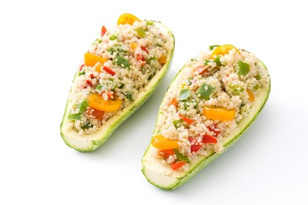 Angefüllte zucchini mit der quinoa und gemüse, getrennt