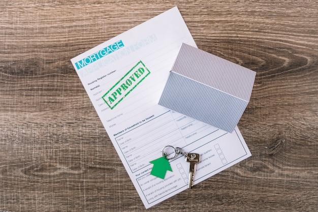 Angeordneter schlüssel und genehmigter antrag auf hypothek