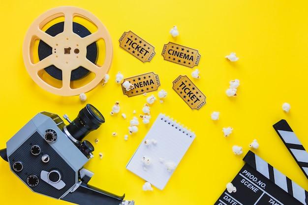 Anordnung der filmklappe mit filmstreifen