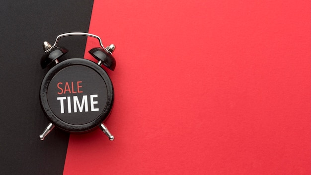 Anordnung der schwarzen freitaguhr mit kopierraum