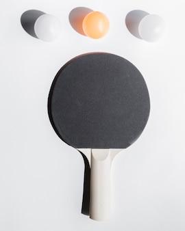 Anordnung der tischtennisausrüstung