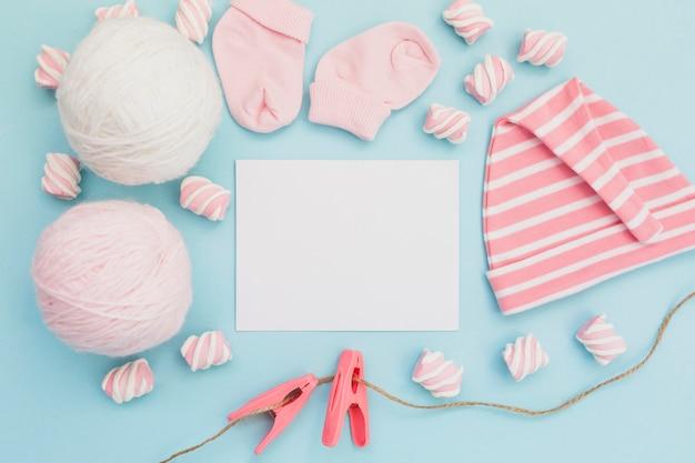 Anordnung für gruß neugeborenes baby