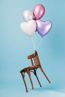 Anordnung von abstrakten festlichen ballons