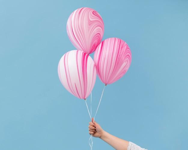 Anordnung von abstrakten rosa luftballons
