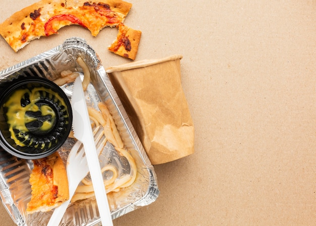 Anordnung von verschwendetem essensresten