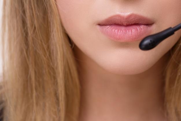 Anrufer arbeitet