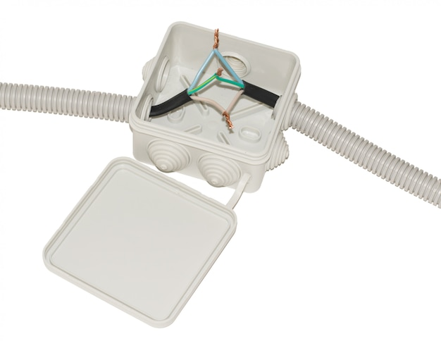 Anschlusskasten für die elektrische verkabelung mit drähten