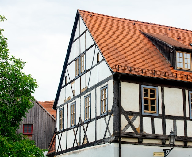 Ansicht der alten stadtfliesenhäuser, europa