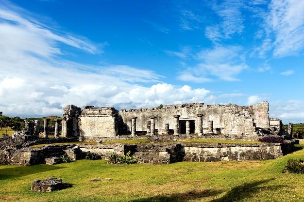 Ansicht der ruinen von fresken, tulum, mexiko