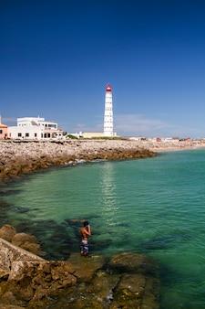Ansicht der schönen insel von farol gelegen in der algarve, portugal.