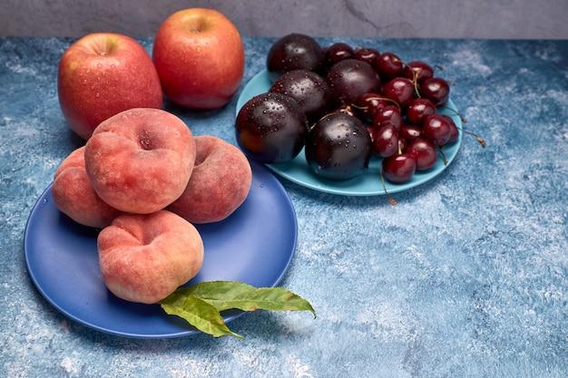 Ansicht der vielzahl der roten früchte