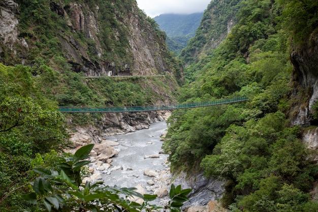 Ansicht des naturlandschaftsberges im taroko-nationalpark bei hualien, taiwan.
