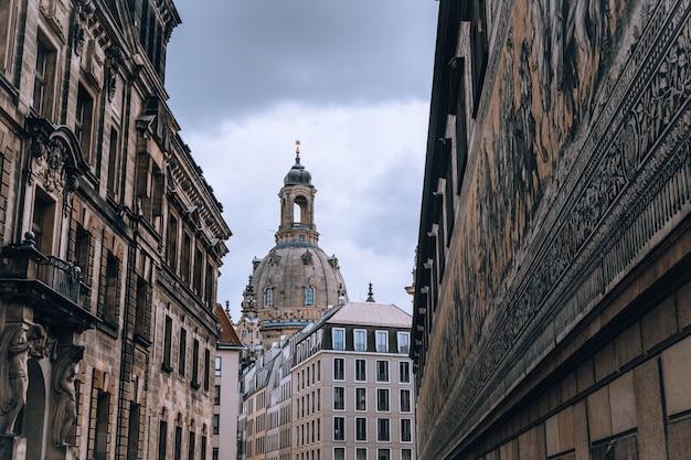 Ansicht über frauenkirche (kirche unserer dame) in der dresden-stadt, deutschland europa