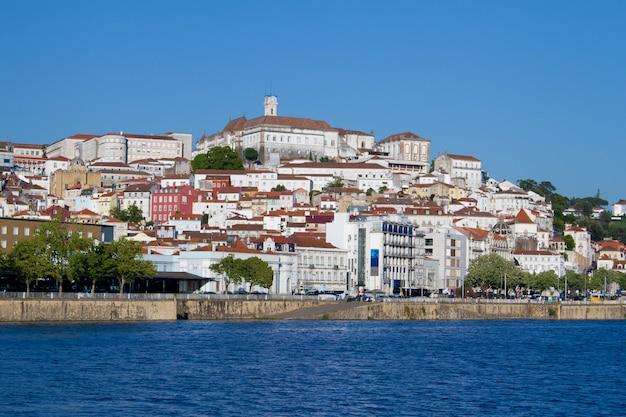 Ansicht über stadt coimbra, portugal