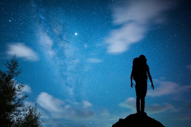 Ansicht universum raum schuss milchstraße mit sternen am nachthimmel