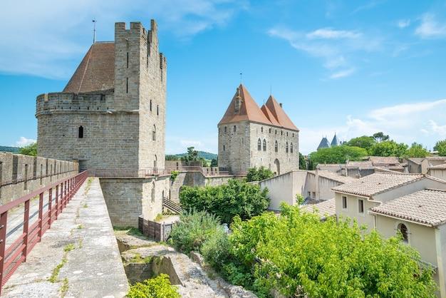 Ansicht von carcassonne von der festung - languedoc, frankreich