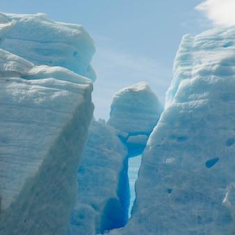 Ansicht von eisbergen, grauer gletscher, grey lake, nationalpark torres del paine, patagonia, chile