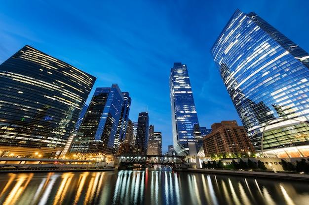 Ansicht von gebäuden und wolkenkratzern in chicago