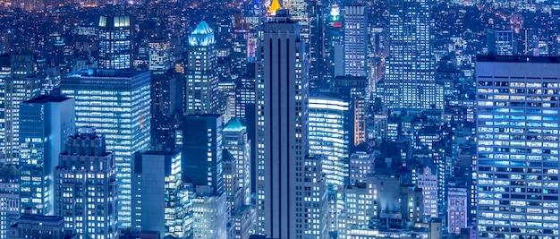 Ansicht von new york manhattan während der sonnenuntergangstunden