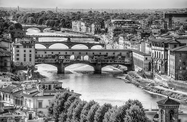 Ansicht von ponte vecchio in florenz (firenze), toskana, italien.