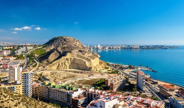Ansicht von serra grossa oder san julian berg in alicante, spanien
